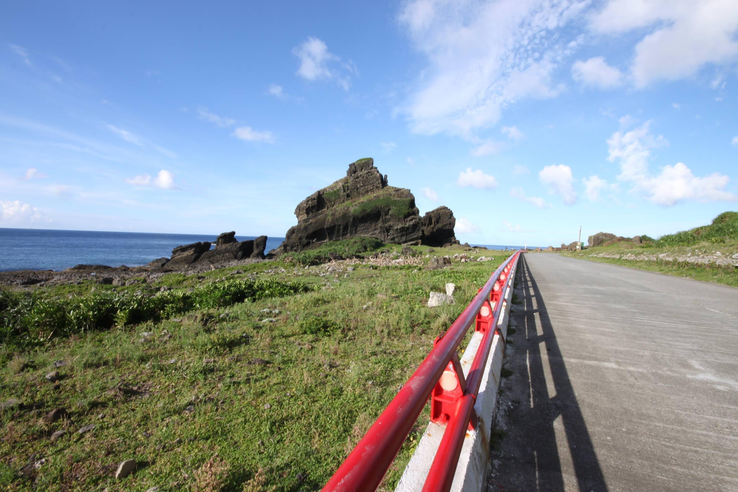坦克岩,蘭嶼旅遊,蘭嶼潛水,蘭嶼自由行,蘭嶼景點,飛魚祭,拼板舟
