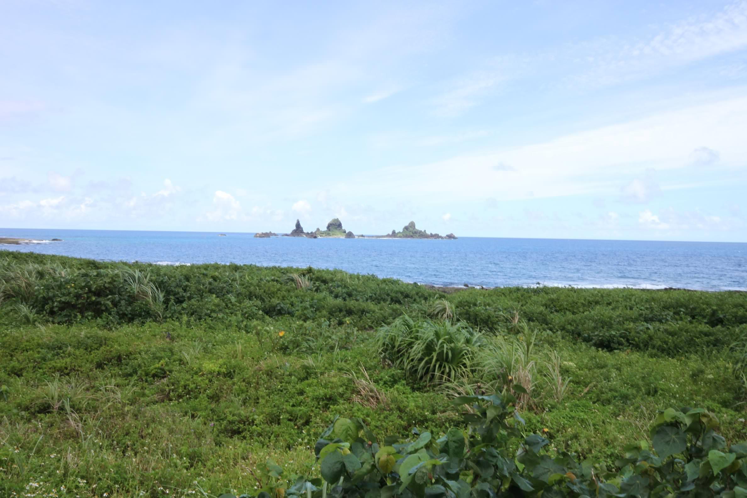 軍艦岩,蘭嶼旅遊,蘭嶼潛水,蘭嶼自由行,蘭嶼景點,飛魚祭,拼板舟