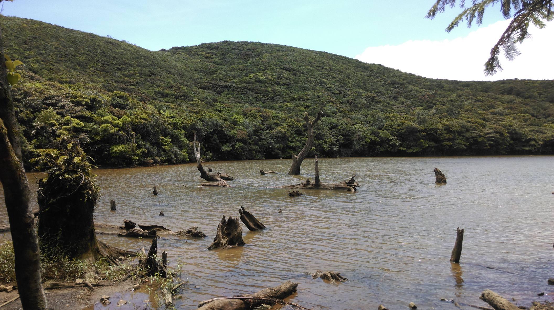 大天池,蘭嶼旅遊,蘭嶼潛水,蘭嶼自由行,蘭嶼景點,飛魚祭,拼板舟