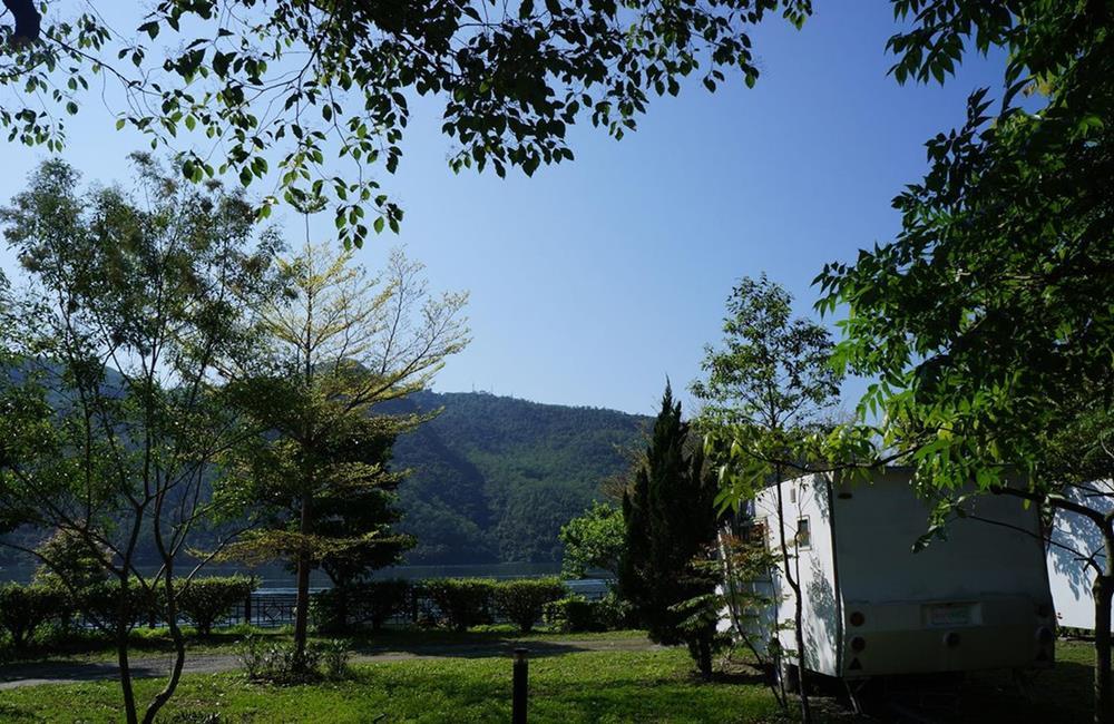 花蓮露營車 在水一方湖畔小屋 湖畔露營