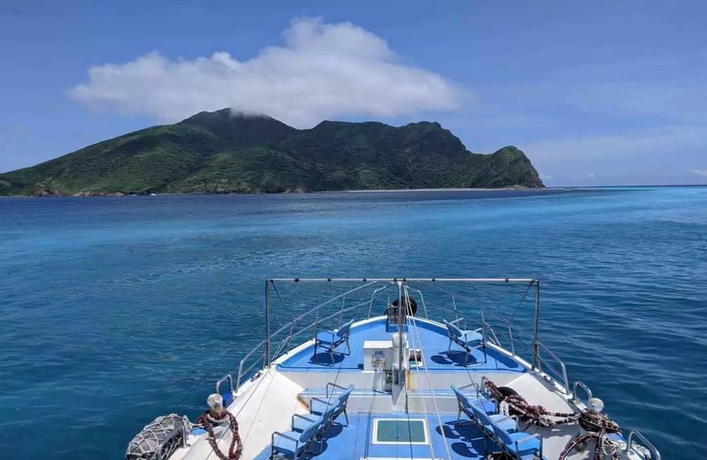龜山島,龜山島免費登島,龜山島牛奶海包船繞島